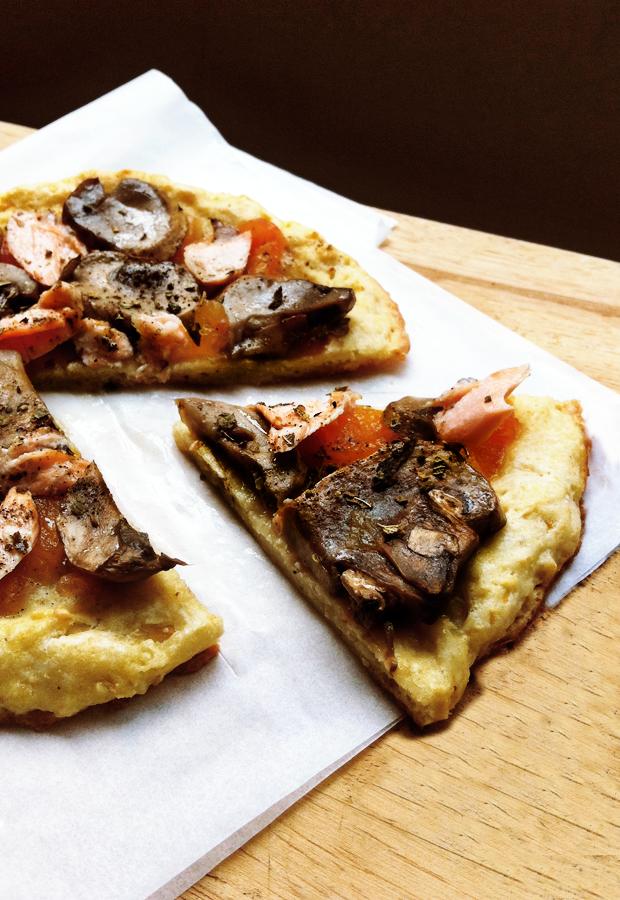 cauliflower-crust-pizza-4.png
