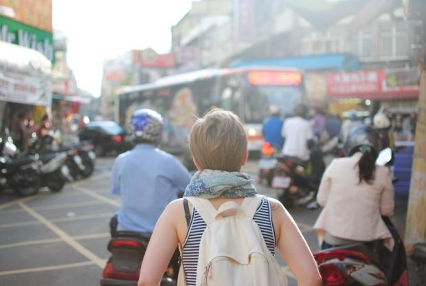 city-people-woman-street-large
