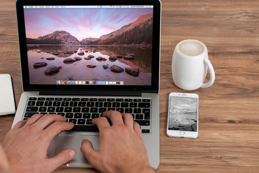 coffee-cup-mug-apple-medium.jpg